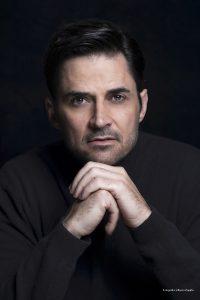 Jean-Paul-Leroux-Headshot-Galeria-01-Credito-Foto_Alfonso-Zapata
